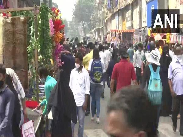 Diwali brings back customers to Mumbai's Crawford market amid pandemic