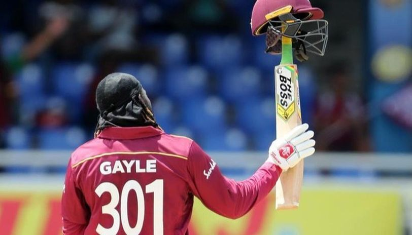Cricket-Gayle first to hit 1,000 T20 sixes, loses cool after falling on 99