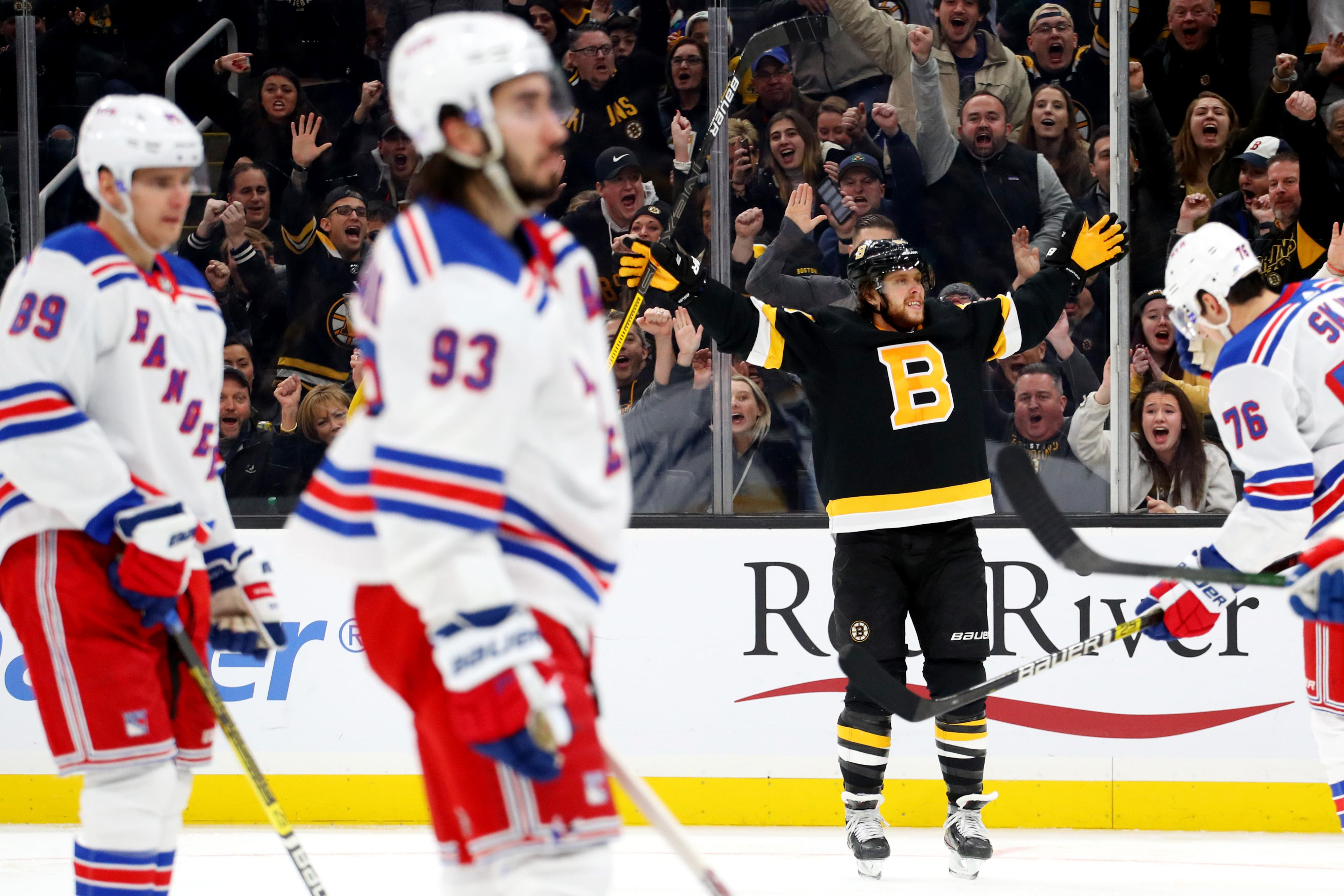 Bruins' Chara apologizes for violent cross check