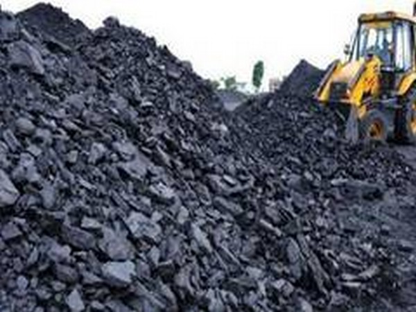 India's coal import drops 35% in Aug on lower demand from power, cement players