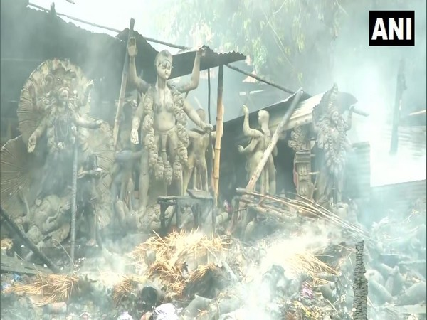 Fire breaks out at an idol godown in Kolkata, no casualties reported