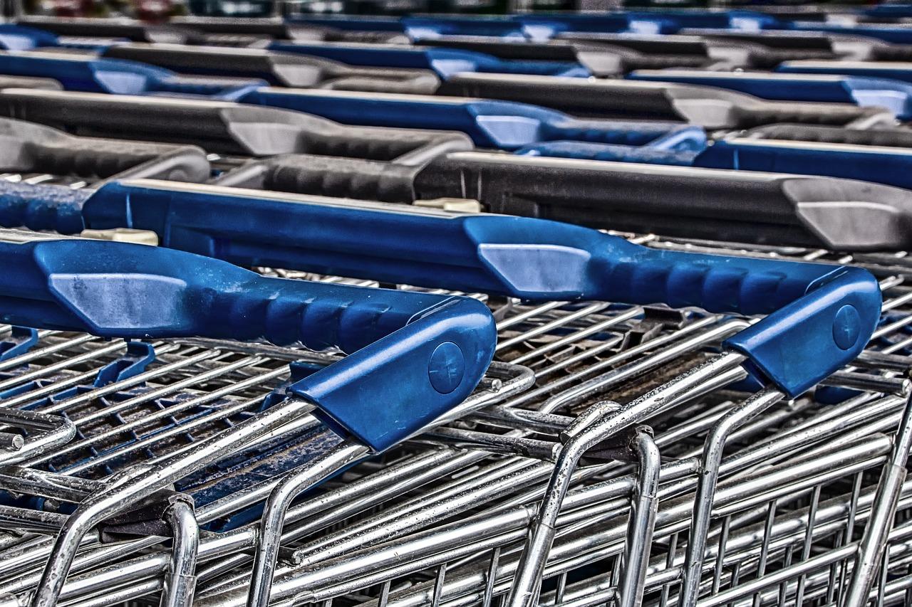 British retailers struggle despite festive season as Brexit fears loom
