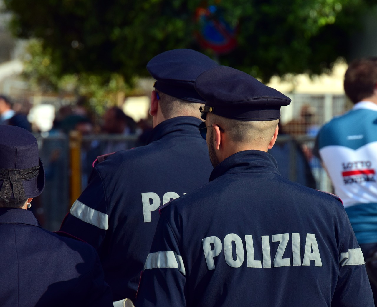 Italy police arrest Russian official, Italian navy captain in spying case
