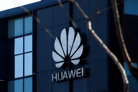 U.S. senators urge Trump not to use Huawei as bargaining chip in trade talks