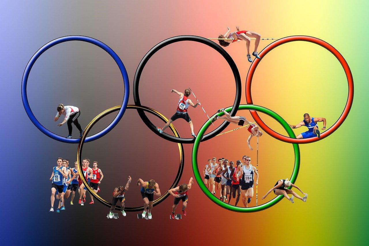 Olympics-Cycling-China break world record in women's team sprint