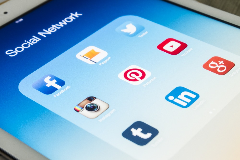 UPDATE 1-Facebook, WhatsApp, Instagram glitches affect some users globally